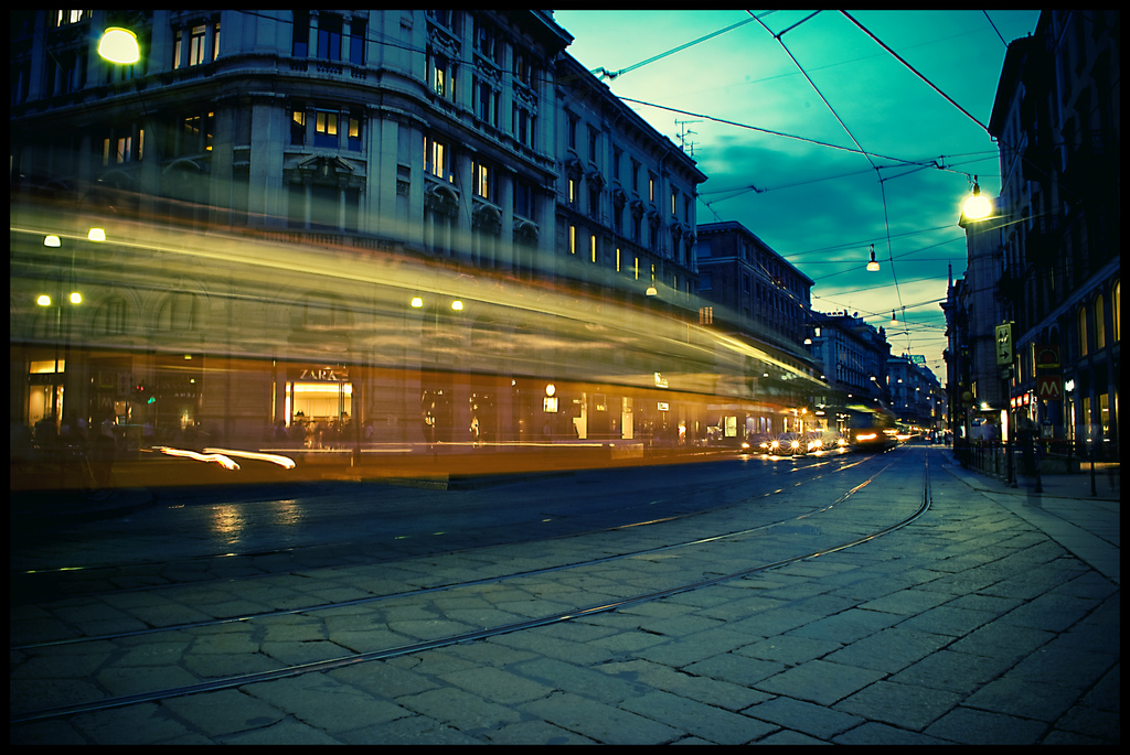 night milan solo travel