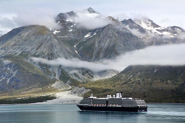 http://tripandtravelblog.com/wp-content/uploads/2011/11/Alaska-Cruise-Zuiderdam.jpg