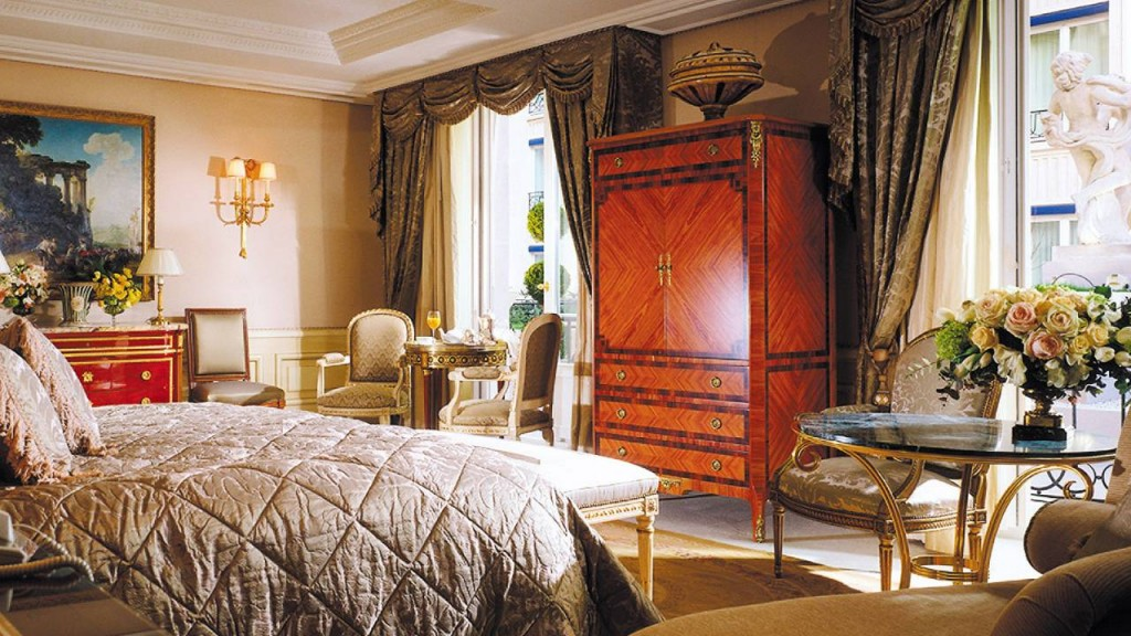 Royal Suite, Four Seasons George V in Paris