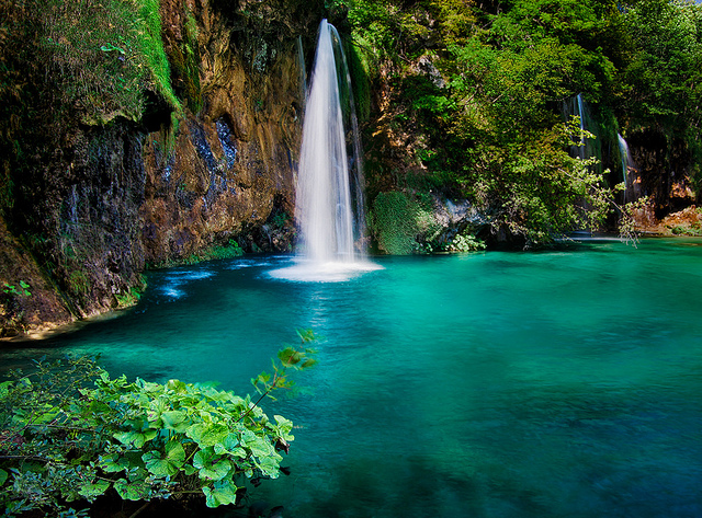 The Plitvice lake national park - Where land and water form ...