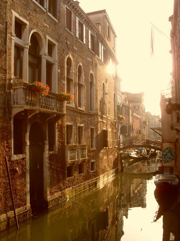 Venezia, inside the canals