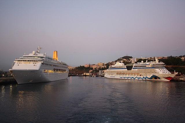 Cruise Traveling the World