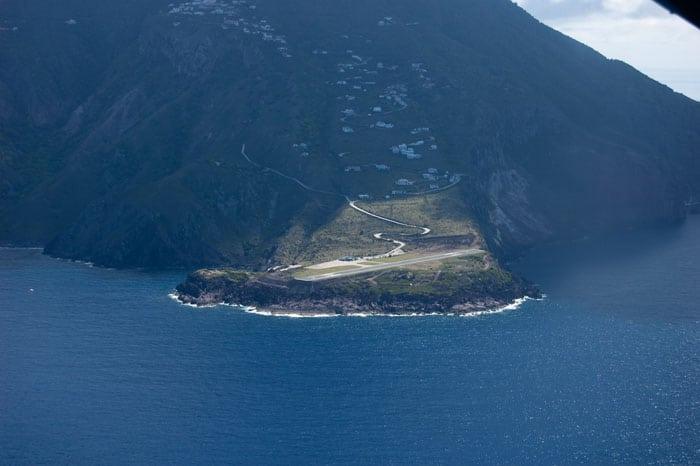 Juancho E. Yrausquin Airport, Saba Island, Caribbea