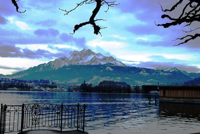 Picturesque Lake Luzern & Mount Pilatus