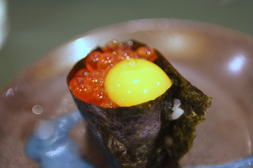 Sushi with roe and quail eggs