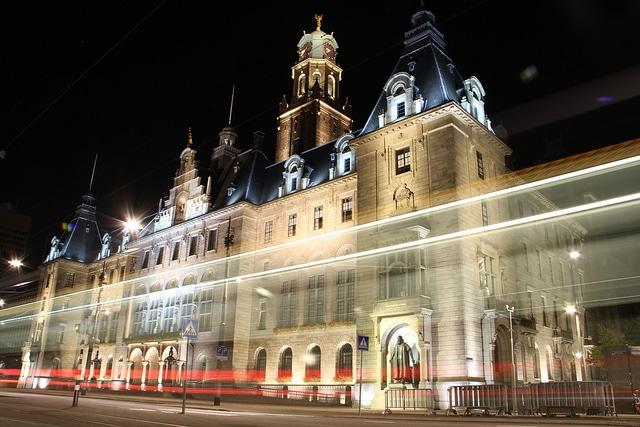 Town hall rotterdam by night wilhelminakade rotterdam