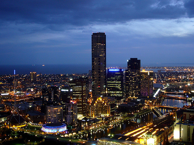 Twilight & Melbourne's tallest building
