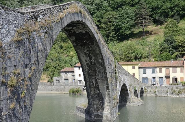 Devils bridge, Borgo a Mozzano, Tuscany, Italy