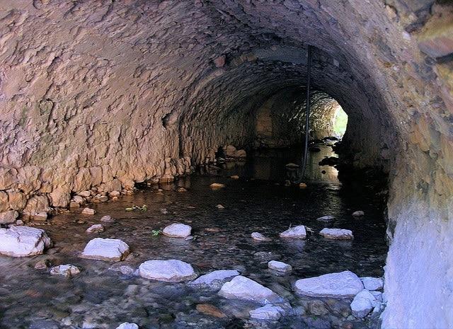 Saint Guilhem le Désert Tunnel