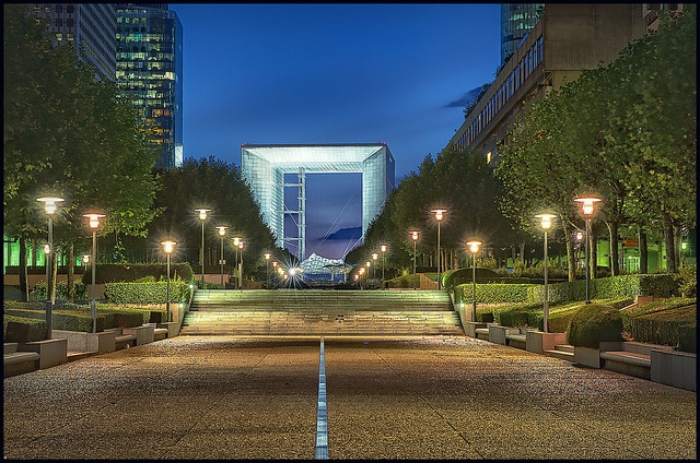 La Grande Arche was designed in 1983 by the Danish architect Johan Otto Von Spreckelsen whose project was selected during an international contest launched at the initiative of the French president François Mitterand.