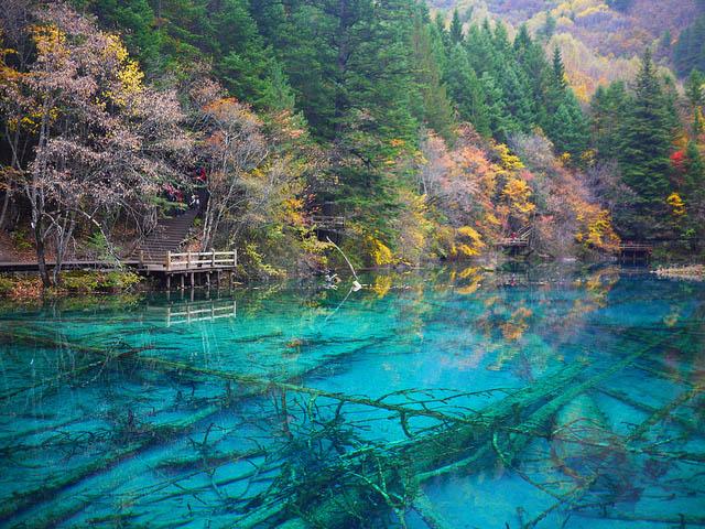 Jiuzhaigou Valley Turquoise Lakes In China
