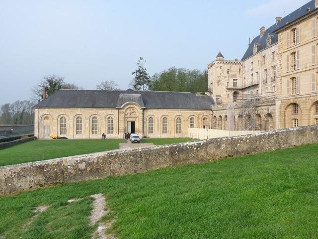 Château de La Roche Guyon Side View