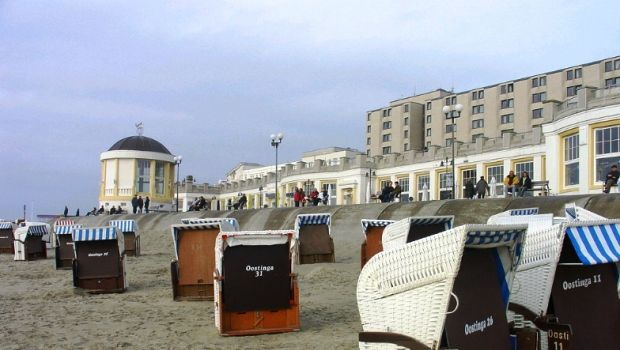 Strandkörbe  Strandkörbe | The strange chairs of Borkum in Germany