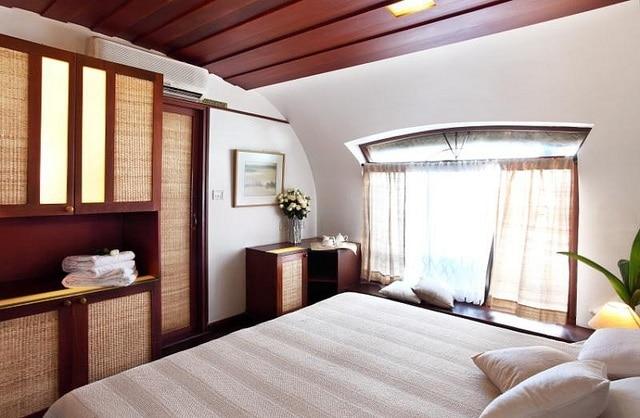 Houseboat, bedroom
