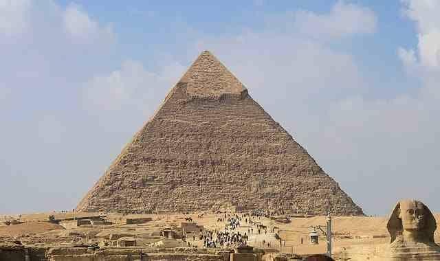 pyramids of giza essay