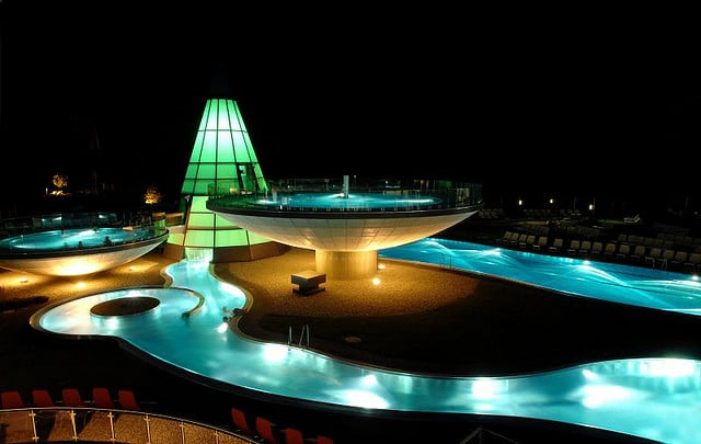 Aqua Dome Tirol by night