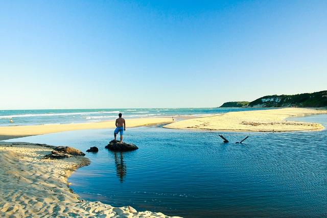 Praia do Espelho Pool