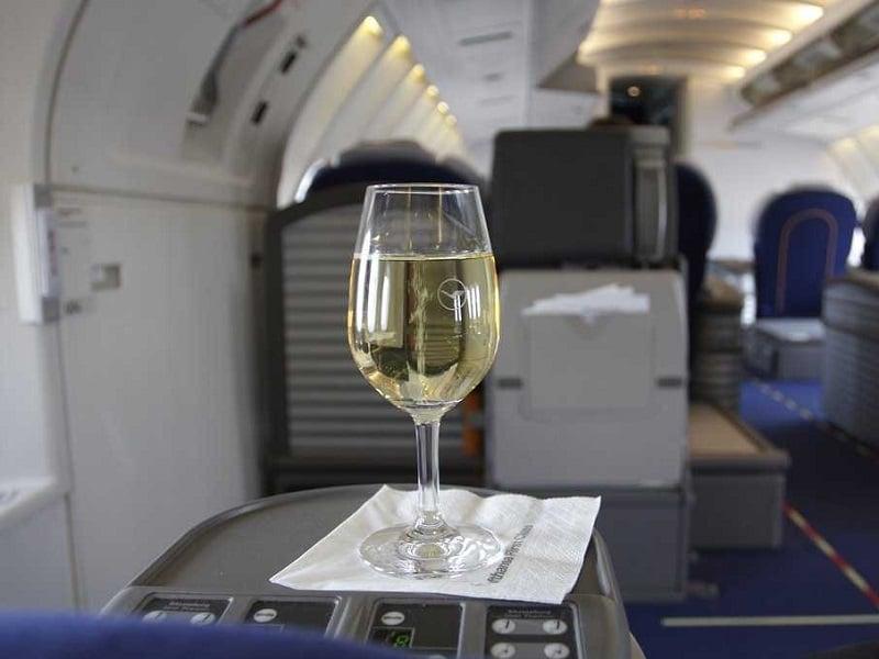 wine-on-plane