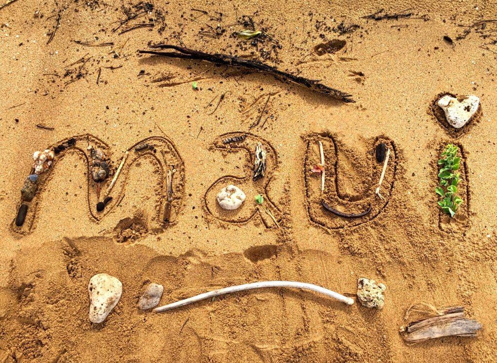 maui-beach-love