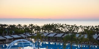 Type entertainment complex. The popular resort with pools and water parks in Turkey. Luxury Hotel. Resort